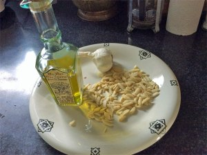 oliveoilgarlicalmalmonds